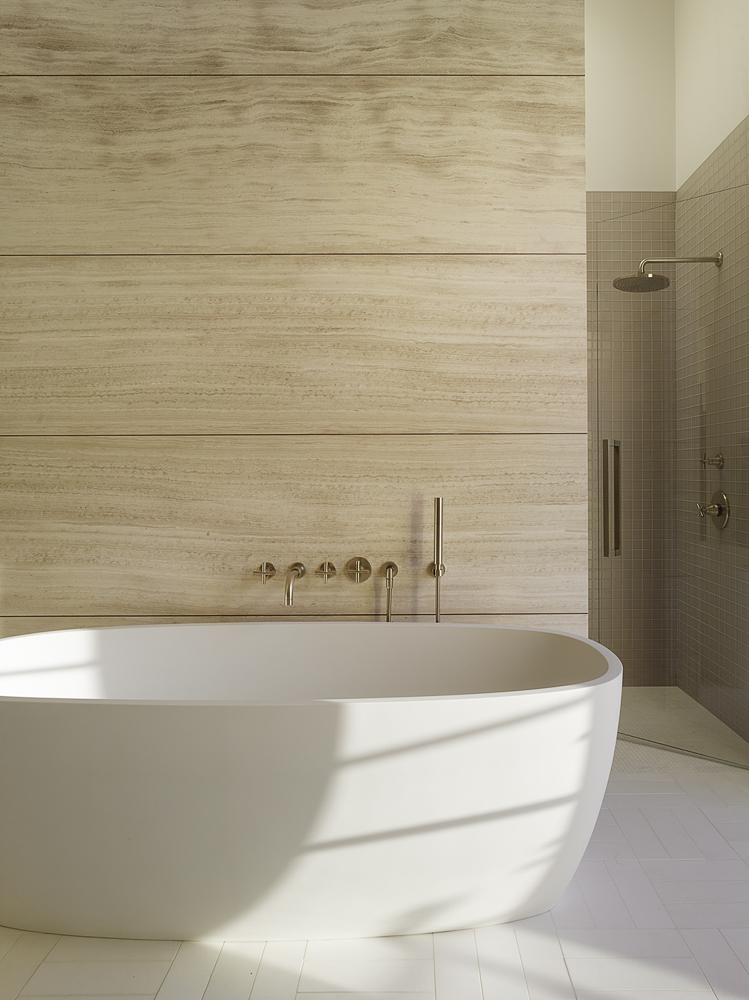 Wine-Country-Retreat_Haven-Studios_bathtub.jpg