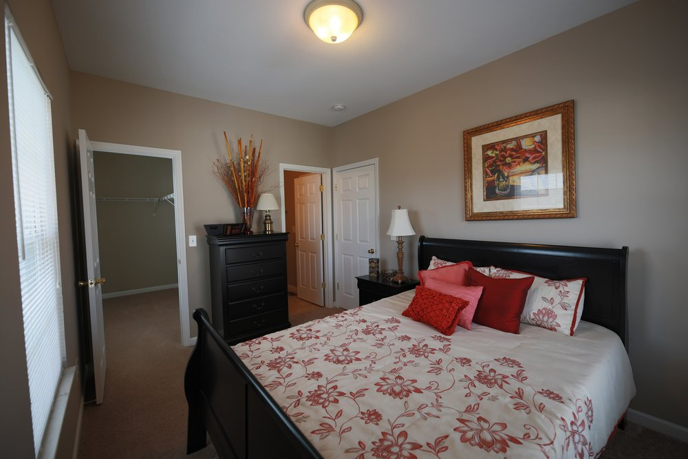 lincoln 2nd bedroom.jpg