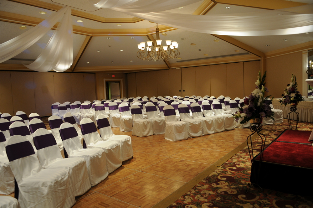 Indoor ceremony set up