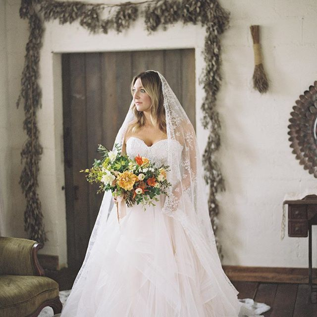 I'm a little behind, but this gorgeous Tuscany-inspired shoot was on @greylikes last week!  Venders:  Planning, Design & Styling: @thegiffordcollective | Photography: @cassidycarsonphoto | Film Lab: @photovisionprints | Venue: @meadowhillfarmweddings | Floral Design: @gradientandhue | Paper Goods & Calligraphy: @fancifulink | Cake: @copperwhiskcakes | Hair/Makeup:  Me 💁🏻♀️ | Bridal Boutique: @thebrideroom | Bridal Gown Designer: @wtoowatters | Veil: @inesdisanto | Suit: @theblacktux | Rentals: @southerneventsonline | Models: Kimberly Novosel and Ian Revereza