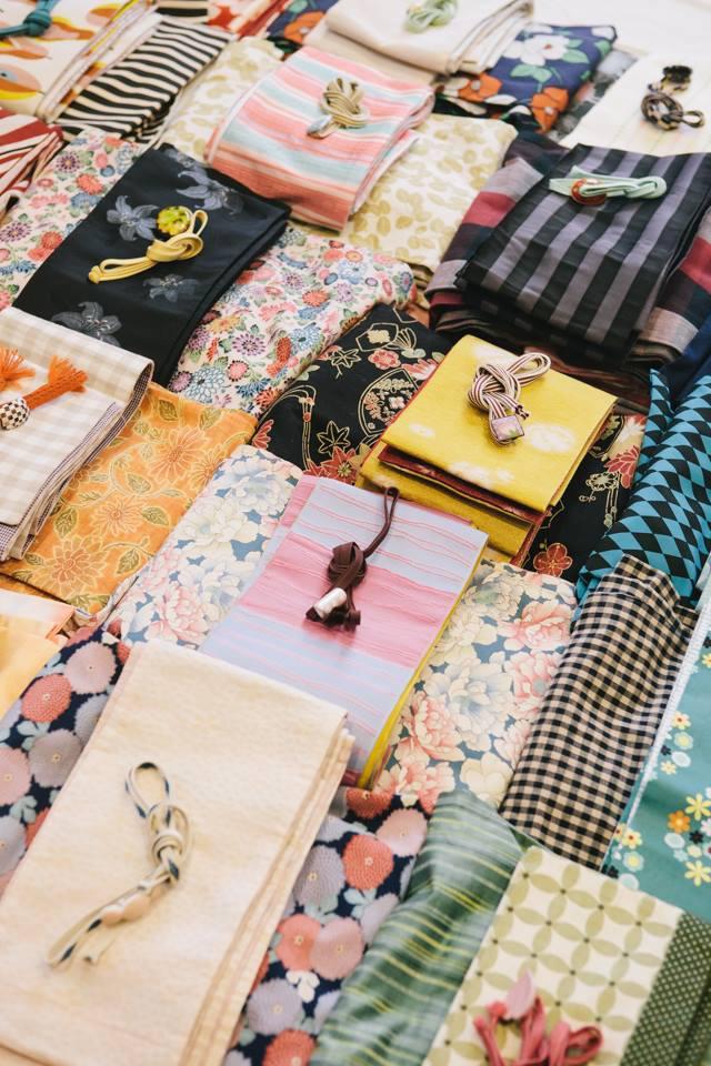 1 Day Kimono Lesson   サンディエゴのみならず、オレンジカウンティからも申し込み、問い合わせがたえないKimono Bloom・Sachikoさんの1Day Kimono Lesson。    講師:Sachiko Miyoshi   着物コーディネート:Rinko Kimino   <レッスン内容・90分>  カジュアル着物の着付けレッスン 半幅帯の結び方 *着付小物・着物・帯など一式こちらでご用意しますので、手ぶらでご参加いただけます。
