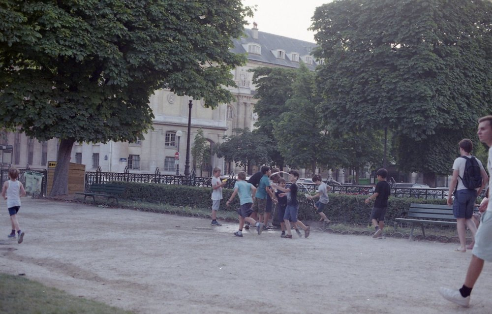 Fujifilm 200 Paris050.jpg