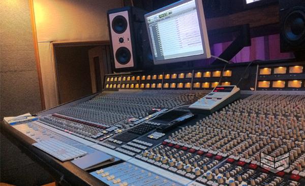 mixer board A-1 live