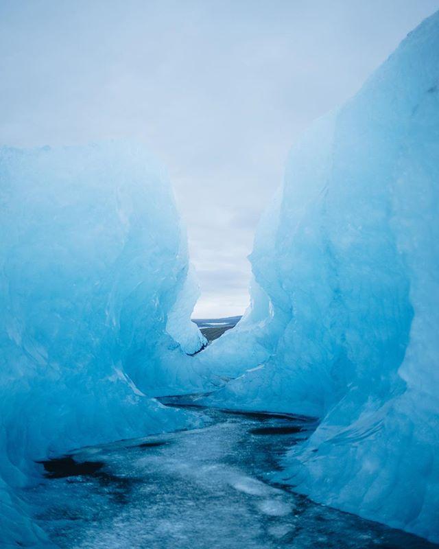 Exploring Vatnajökull Glacier. #bluetunnel