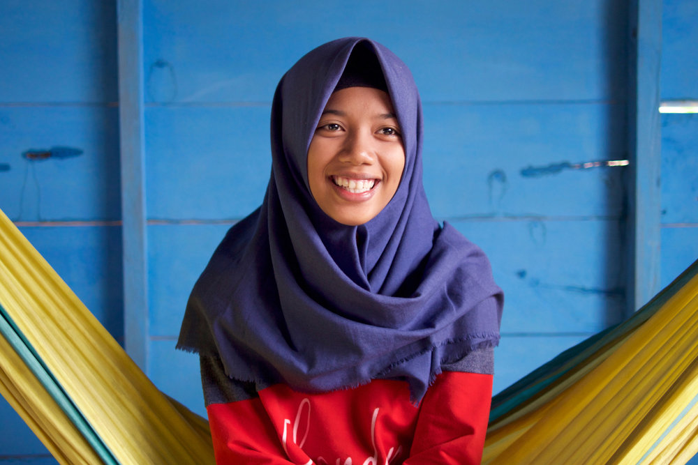 Salma, Andar's eldest daughter isn't sure if she believes in Bajau traditional practices, preferring her religion, Islam, over her ancestor's sea-based mythology.