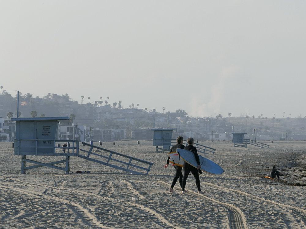 twosurfers.jpg