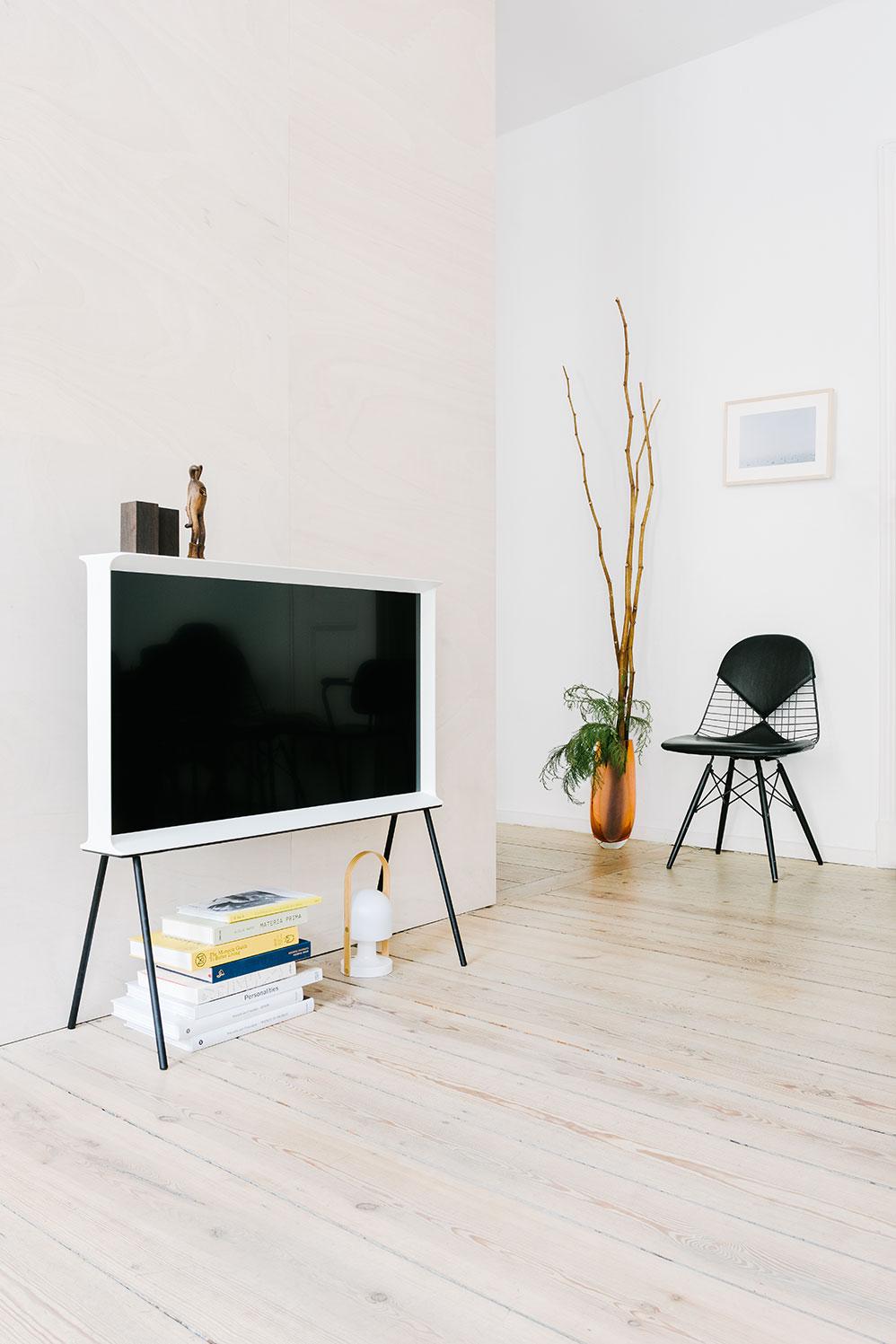 Companion-Serif-TV-027-copy.jpg