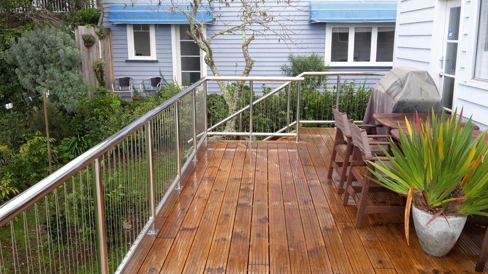 Handrail 3.jpg