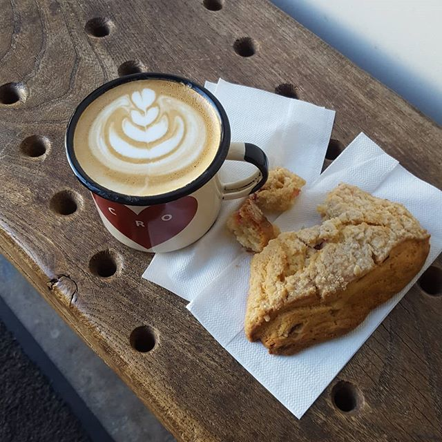 @thecrocafe is looking to hire a full time experienced barista! If you or anyone you know would be an excellent addition to our little family, please send a resume to cro_temescal@thecrocafe.com! ❤