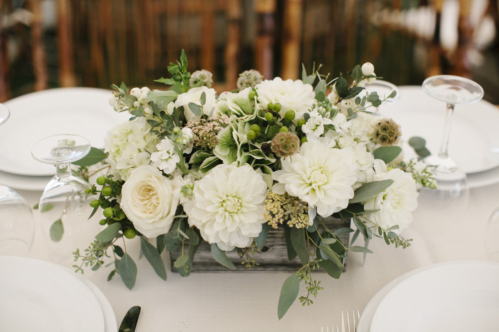 Photo by  Julie Harmsen Photography. Flowers by Bella Luna Farms