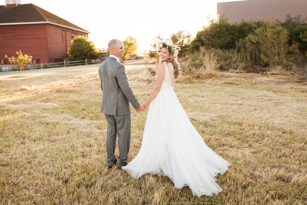 Crockett Barn Wedding Featured in Smitten Magazine
