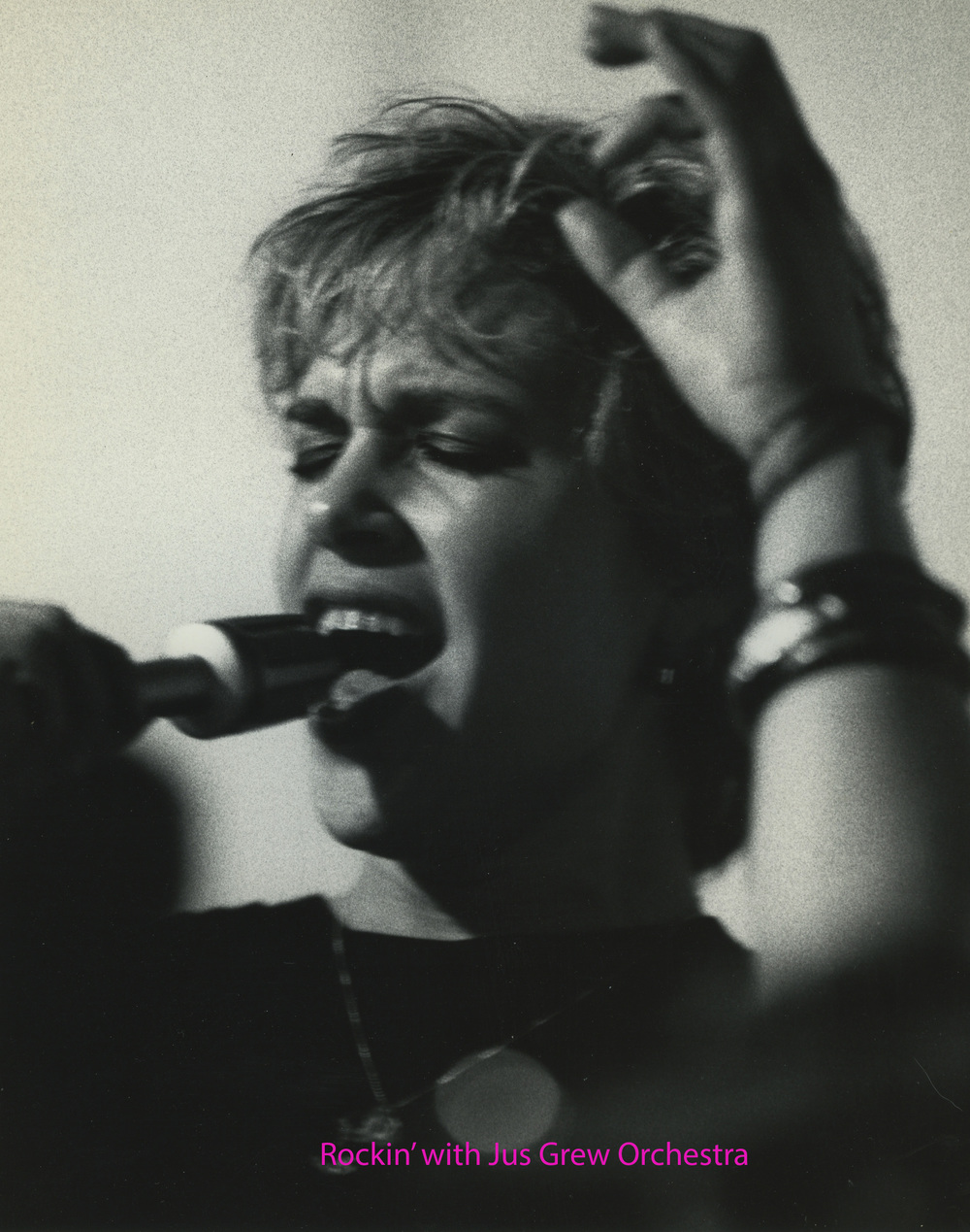 Ellen Singing 21 Named.jpg