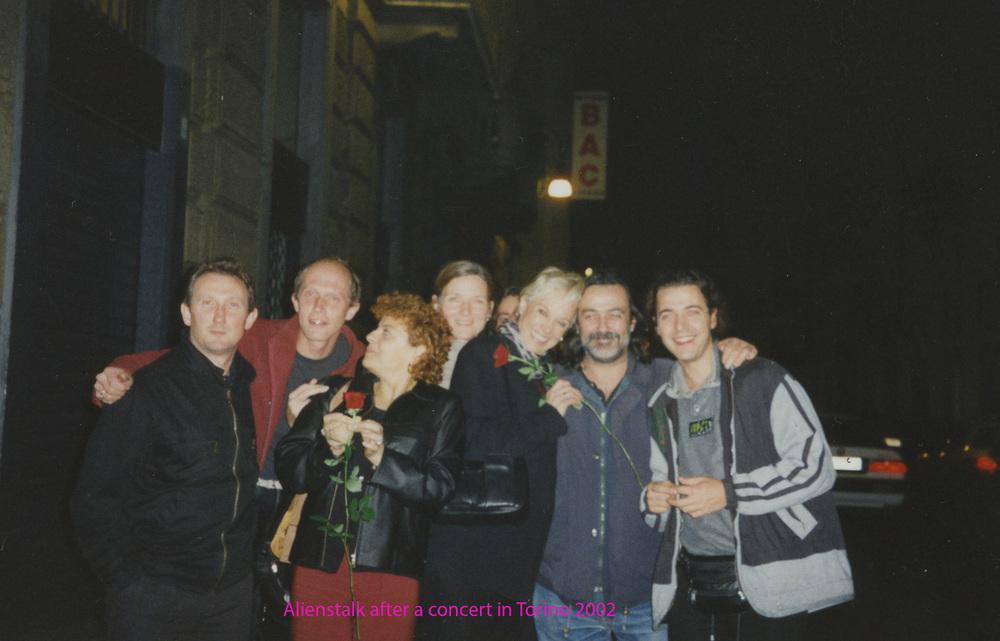 Aliens Talk with Fiorenzo in Torino 2002 named.jpg