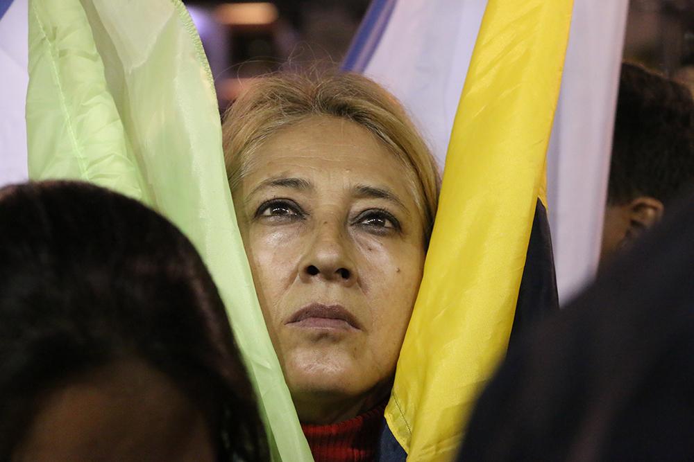 Las Dos Caras de un mismo Tontódromo - Paralelo participó de las manifestaciones del 7A. Estas son las imágenes de ambos bandos. Más.