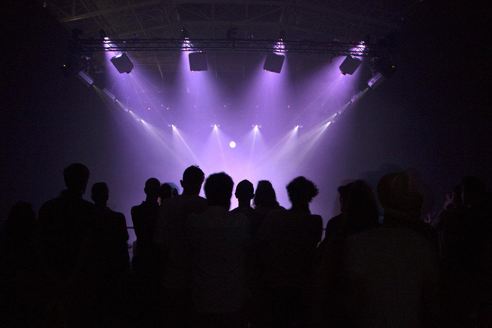 Cuando termina el Sonar by Day arraca el Sónar by Night, la continuación del festival pero con la complicidad de la oscuridad y la caricia del MDMA.