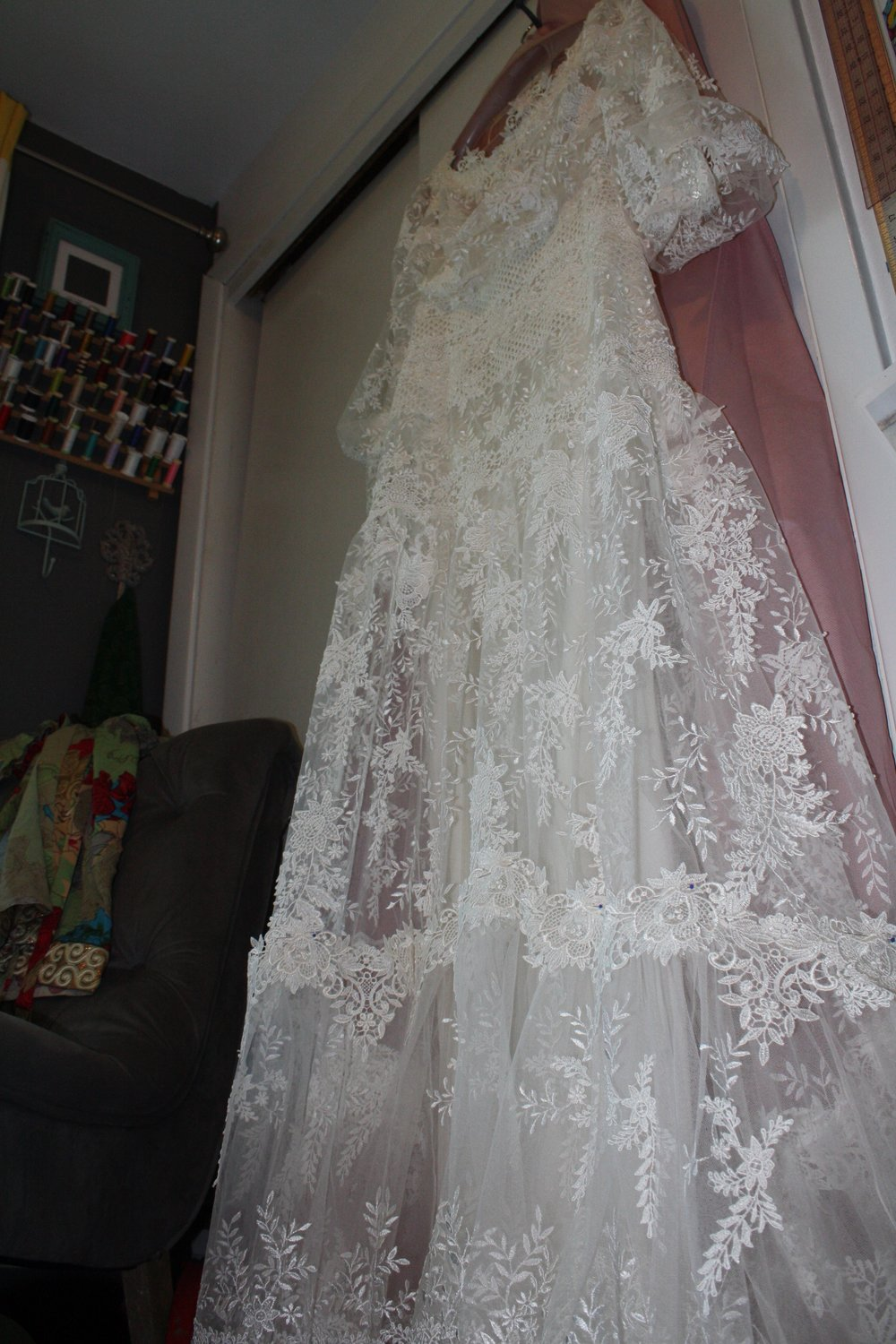 A look at the entire dress from below...