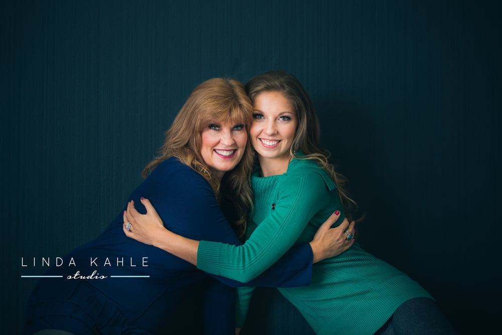 Mother Daughter Photo Shoot | Linda Kahle Studio | Wedding Wise Seattle Planning
