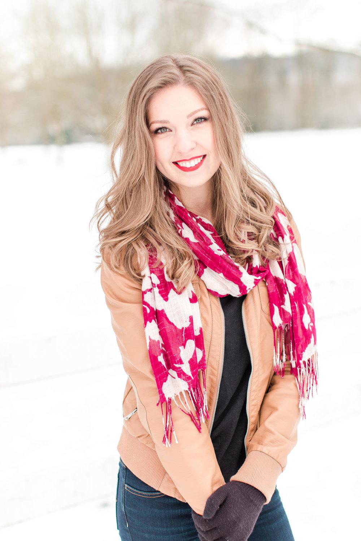 Meet Julia Garner Ozark S Breakout Star And Fashion S: Wedding Planner & Coordinator Seattle WA