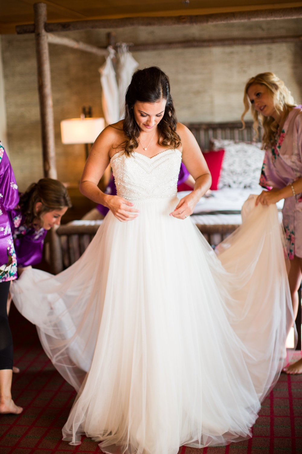 Seattle Wedding Planner, Wedding Wise | Ciccarelli Photography | Edgewater Hotel Wedding | Getting ready with bridesmaids