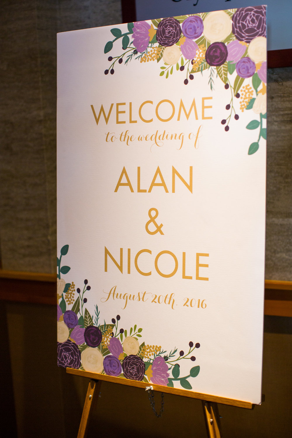 Seattle Wedding Planner, Wedding Wise | Ciccarelli Photography | Edgewater Hotel Wedding | Purple and navy blue wedding | Wedding welcome sign