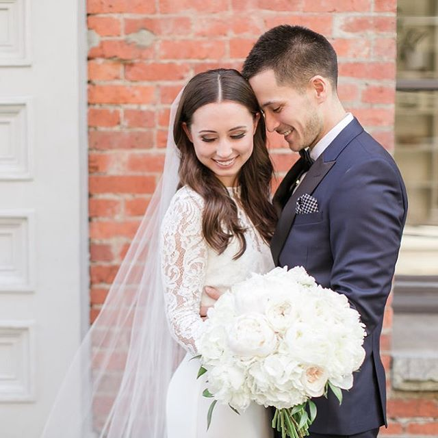 Wishing a happy 1 year anniversary to Bonnie and Darin! These two were such a joy to plan with and a true team in every sense. I just know their next year of marriage is going to be even better than the last! 💕 @bonsnakatsu @darin_nakatsu  Photo :: @stevenlloydphotog @amandalloydphotog  Floral :: @bloombytara  Beauty :: @posh_styling . . . . . #weddingwise #wedwithweddingwise2017 #weddingwiseanniversaries #melrosemarketstudios #pioneersquare  #seattleweddingplanner#seattlebride #seattleweddings #pnwbride #seattleweddingcoordinator #seattleengagement #seattlebridemag #ohwowyes #theknot #thedailywedding #socalityseattle #designisinthedetails #realwedding #soloverly #pnwwedding #washingtonwedding #washingtonbride #northwestwedding #risingtidesociety #makeitblissful #thelittlethings #refinegroup #pugetsoundbride