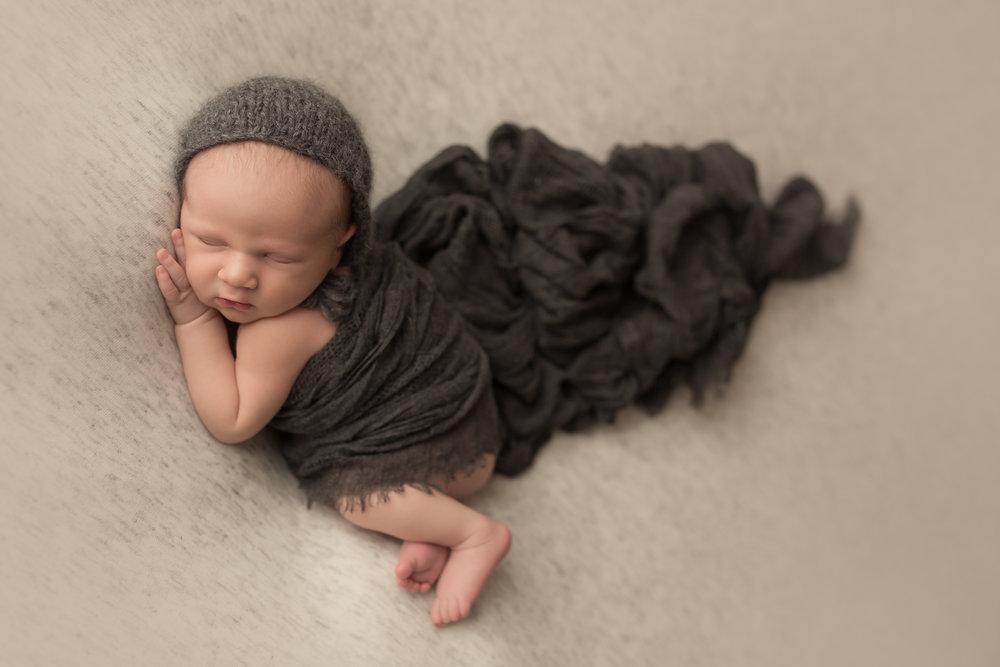 Maverick Newborn 87.jpg