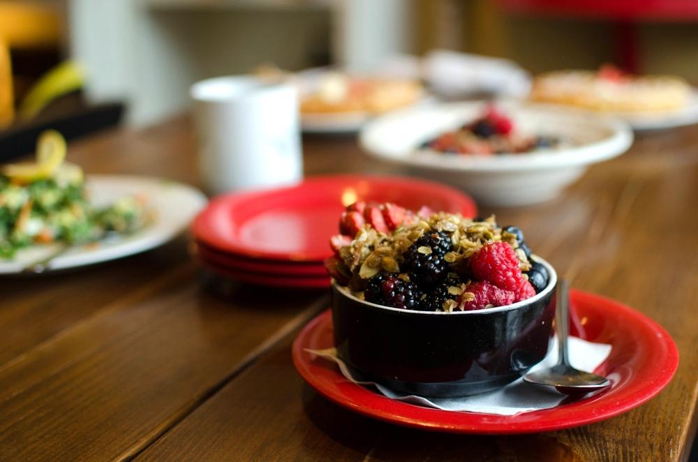 Hearty Oatmeal & Fruit