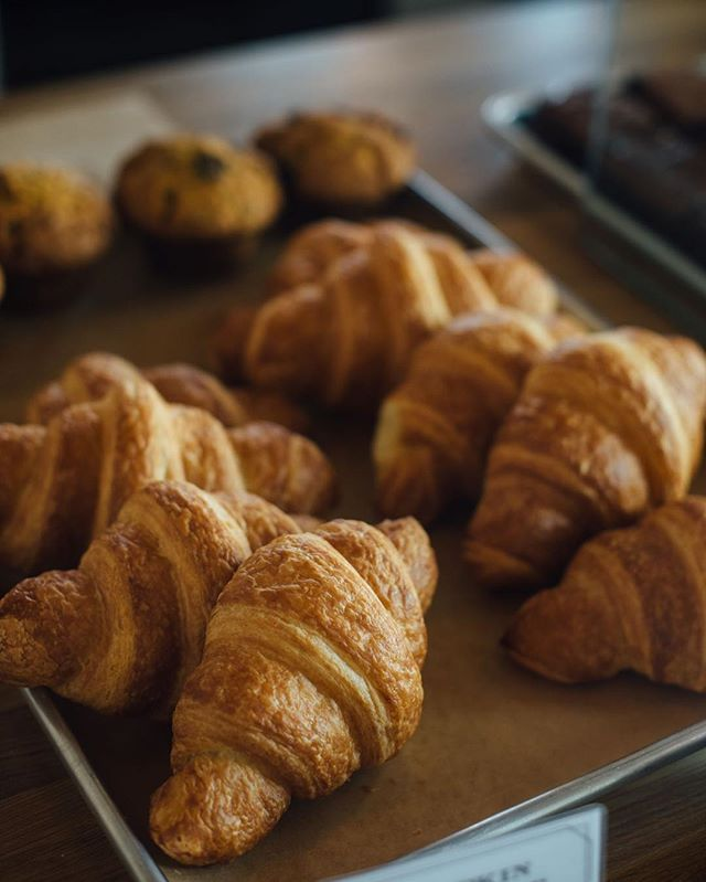 What better way to start off the week than with some delicious fresh pastries! All bakery orders out of our sister café District Café & Bakery are 25% off for the month of April. Be the office favourite and surprise everyone with a decadent breakfast or afternoon snack.⠀ ⠀ #yeg #yegdt #yegfood #yegfoodie #yeglocal #localfood  #exploreedmonton #bakery #districtcafe #breakfast #snack #officeparty #pastries