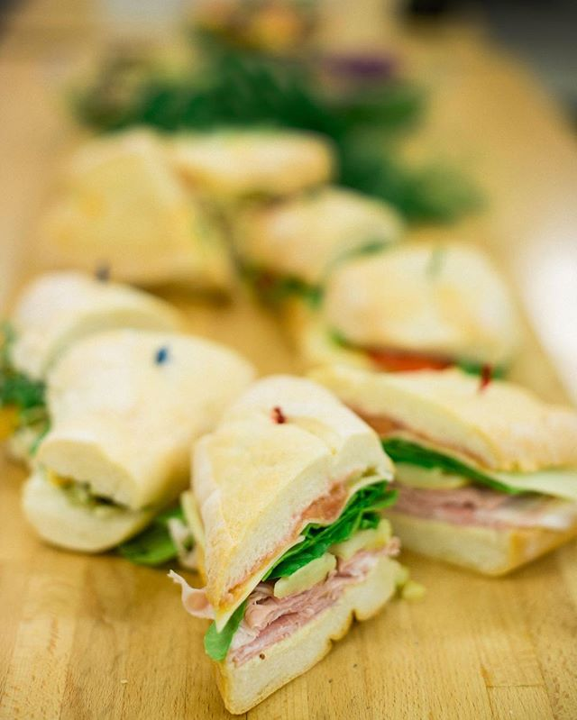Getting lunch ready..⠀ ⠀ #yeg #yegdt #yegfood #yegfoodie #yegcatering #yeglocal #localfood #albertafarming #exploreedmonton #sandwiches