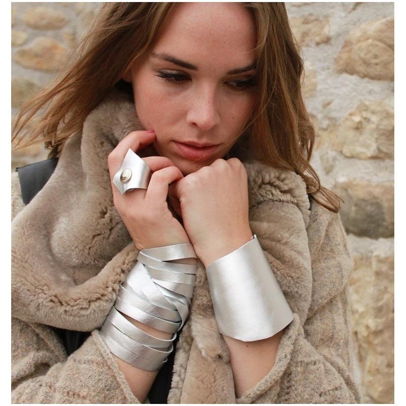 leather-wrist-neck-cuff-metallic-silver