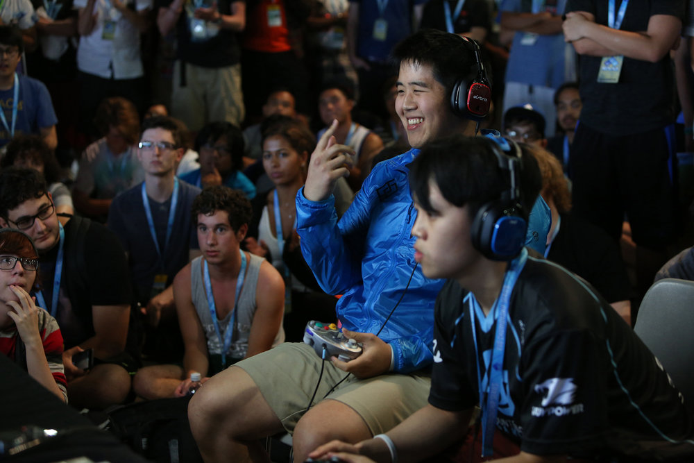 Players fight for the top eight positions in the Super Smash Bros Melee tournament in the Evolution Championship Series © Gail Fisher for ESPN