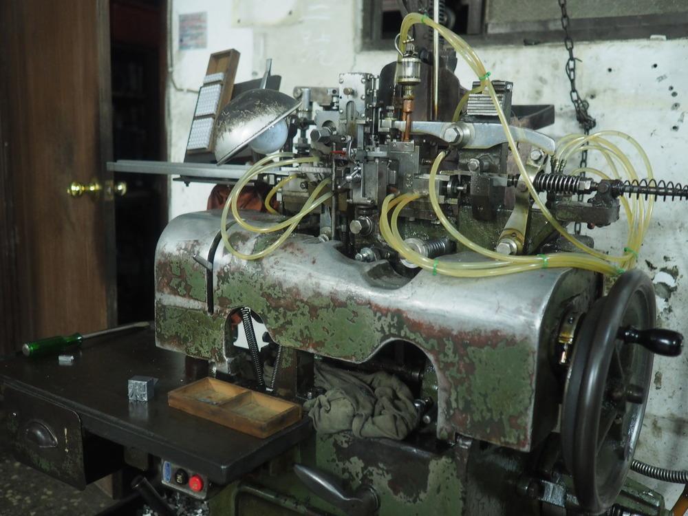 - 鑄字機 -    日星鑄字行,是台灣唯一一家仍在生產的活鉛字廠