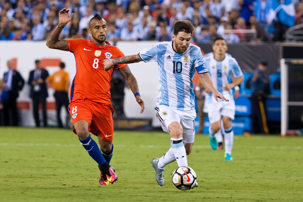 Lionel Messi (10) & Arturo Vidal