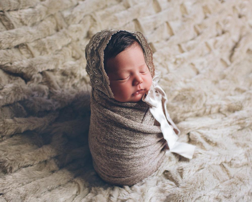 Salphie Markarian Newborn Photo Session-2.jpg