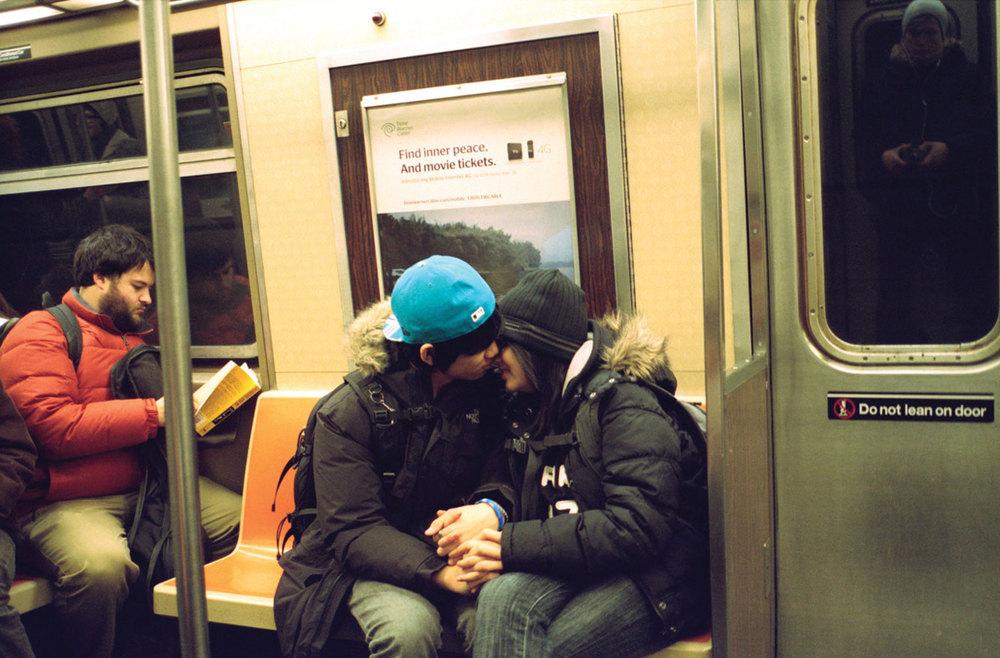 train_kiss1335.jpg