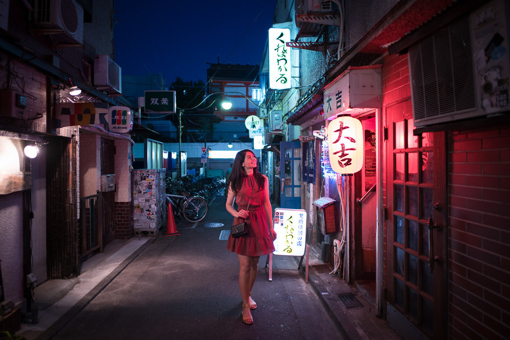 There are 200+ bars located in the tiny area of Golden Gai