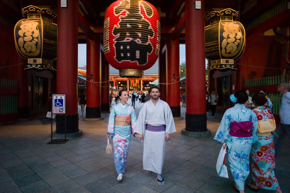 Tokyo Kimono Photographer in Asakusa Sensoji.jpg