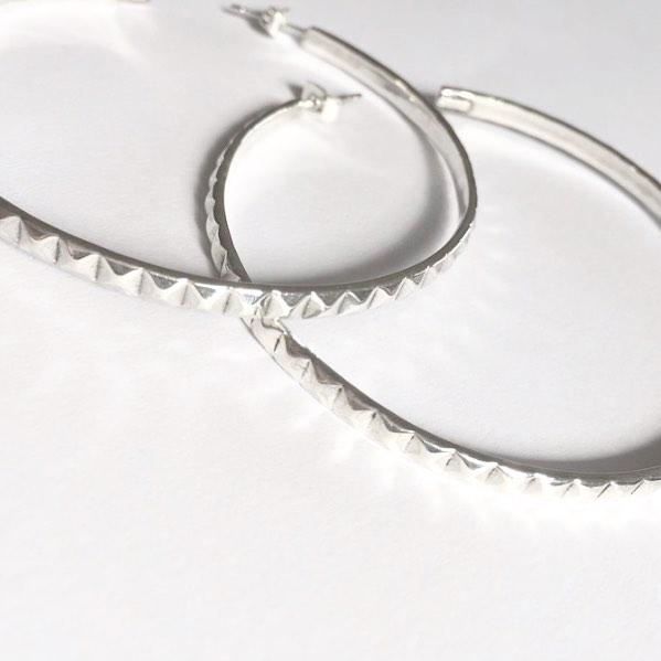 • Pyramid Hoop Earrings • Sterling Silver • 💎Shop @ www.laurenreine.com 💎 Link in Bio #925 #24kgold #24kmagic #diamonds