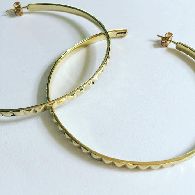 • Let me shower you with Golden • • Golden Delight Pyramid Hoop Earrings • Shop @laurenreinejewellery  Ship worldwide at www.laurenreine.com #jewelry #jewellery #earrings #hoops #luxe #style #jewels