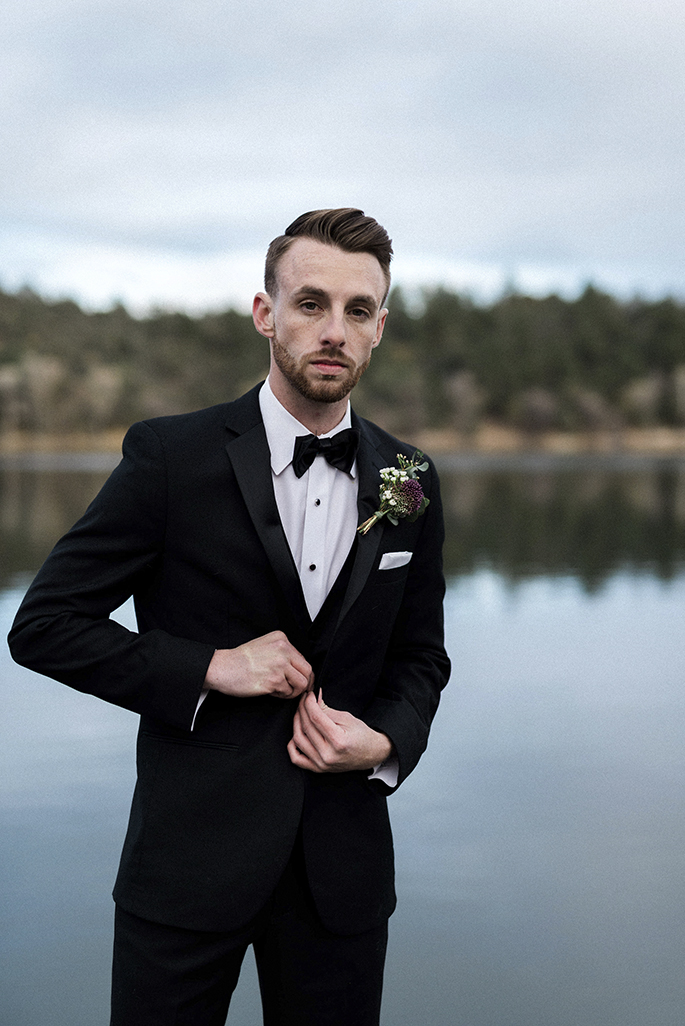 Arizona Lakeside Winter Elopement with Saje Photography | Shotgunning for Love Letters | Groom's Tux
