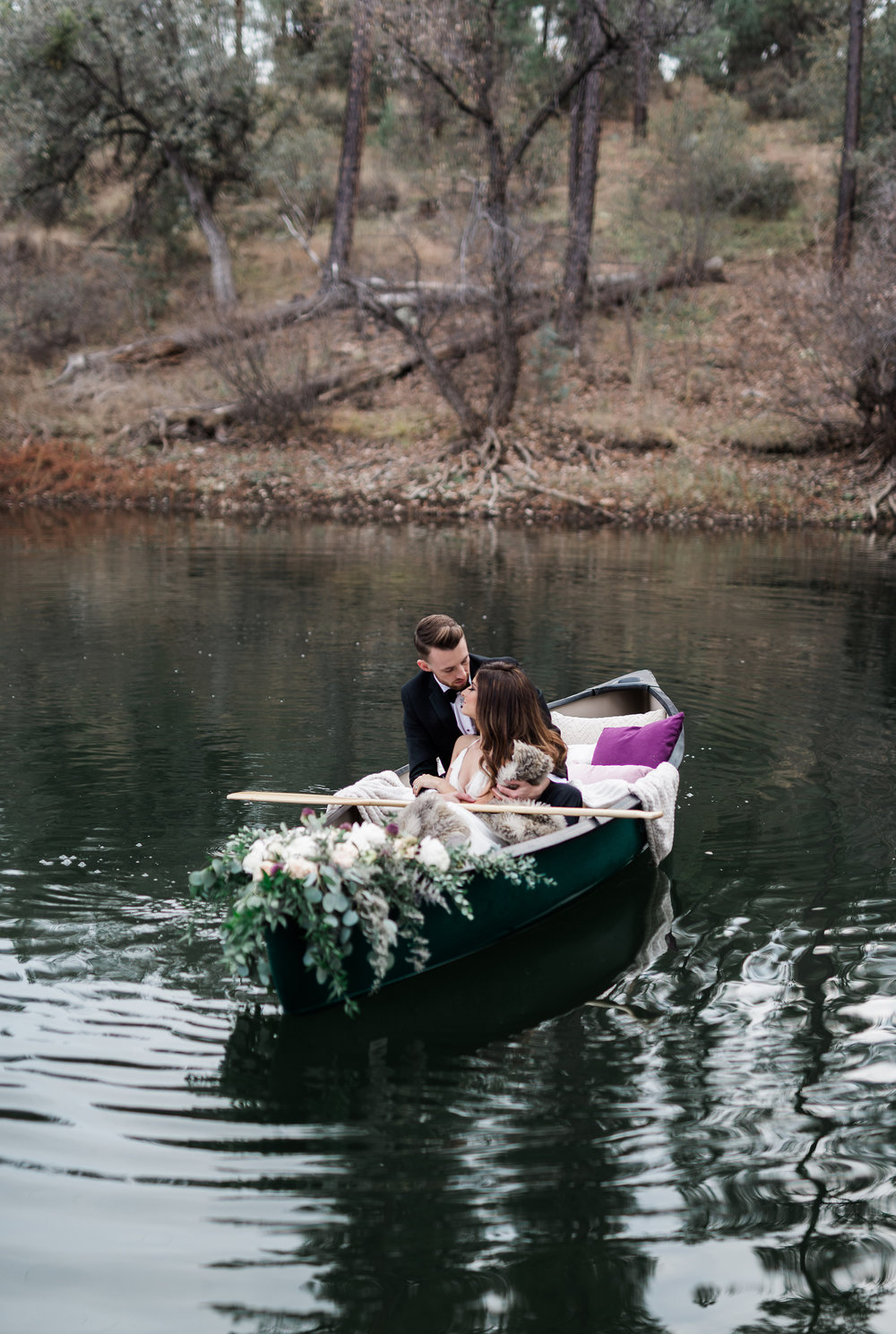 Arizona Lakeside Winter Elopement with Saje Photography | Shotgunning for Love Letters | Canoe Wedding