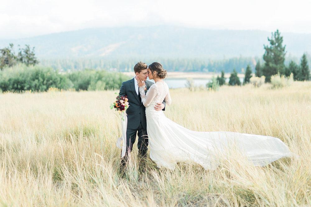 CALIFORNIA LAKESIDE WEDDING -