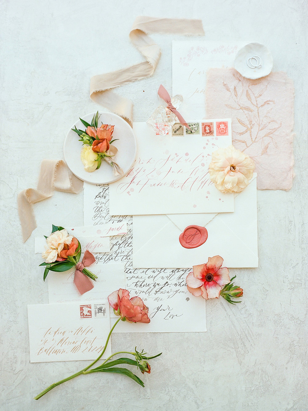Winswept Mauve Beachside California Bridal Inspiration | Shotgunning for Love Letters