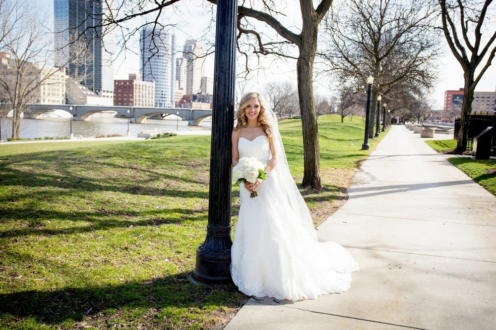 Brandon_Shafer_Photography_Jeff&Amber_GrandRapids_Wedding_0044.jpg