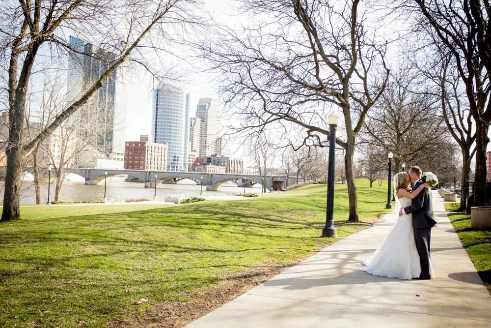 Brandon_Shafer_Photography_Jeff&Amber_GrandRapids_Wedding_0047.jpg