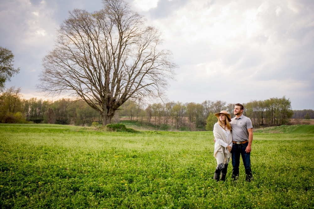 Brandon_Shafer_Photography_Shane_Ashley_Greenhouse_Farm_Michigan_Engagement_0024.jpg