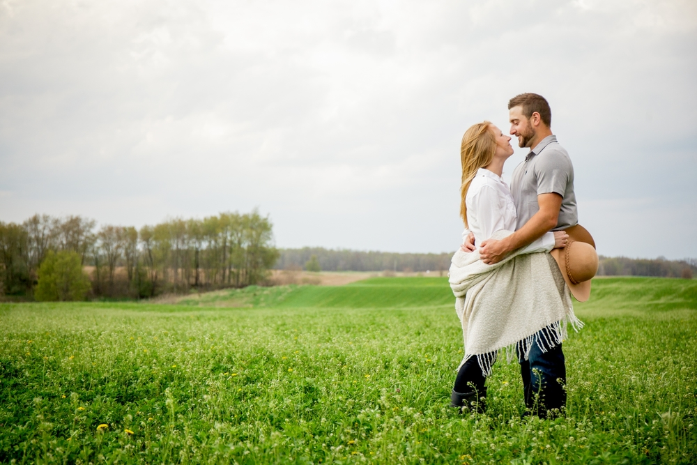 Brandon_Shafer_Photography_Shane_Ashley_Greenhouse_Farm_Michigan_Engagement_0027.jpg