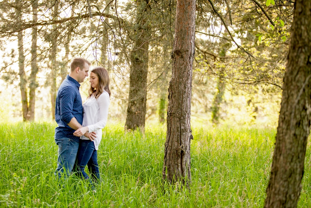 Brandon_Shafer_Photography_Ben_Emily_Michigan_Lake_Engagement_0021.jpg