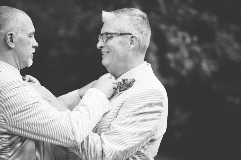 Jeffery_David_Gay_wedding_GrandRapids_LoveWins_JohnBall_Zoo_0039.jpg