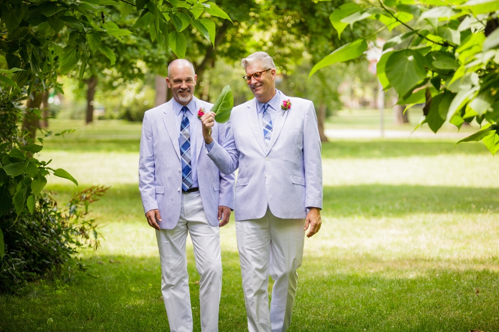 Jeffery_David_Gay_wedding_GrandRapids_LoveWins_JohnBall_Zoo_0041.jpg
